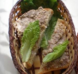 Бутерброд с грецкими орехами