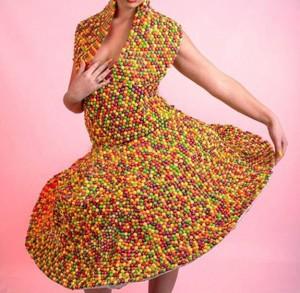 Платья из конфеток и ещё кое-чего