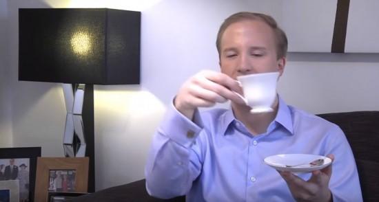 Как правильно пить чай - по мнению британского эксперта по этикету