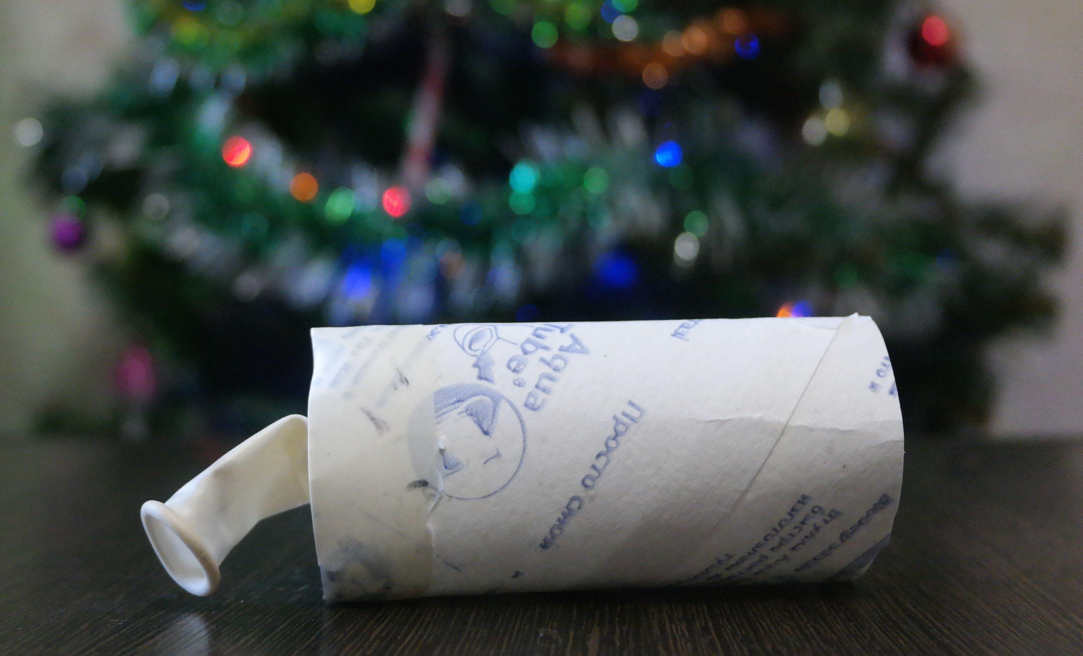 Как сделать хлопушку своими руками из рулона от туалетной бумаги