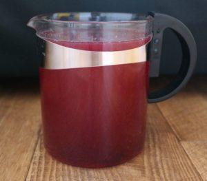 Освежающий напиток из смородины с мятой