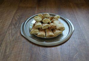 Блины с начинкой из салата: шаурма по-русски